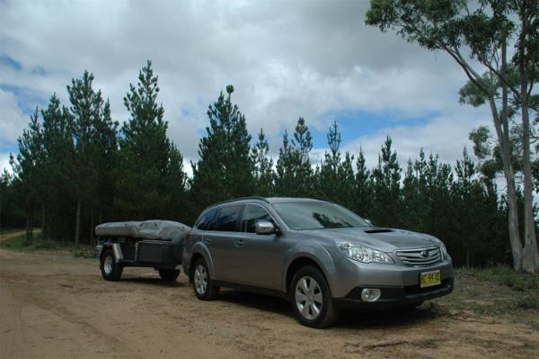Subaru Outback 2.0D Exterior