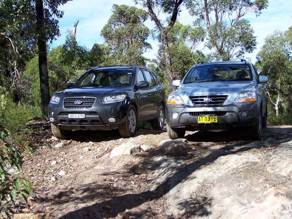 Hyundai Sante Fe and Kia Sorento Comparison