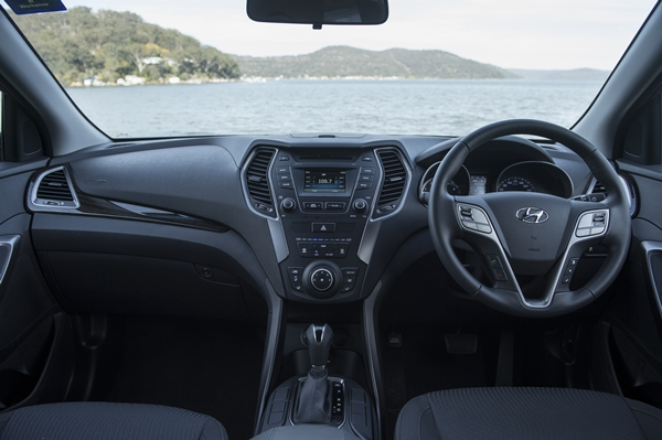 Hyundai Santa Fe Active Interior Dash 1