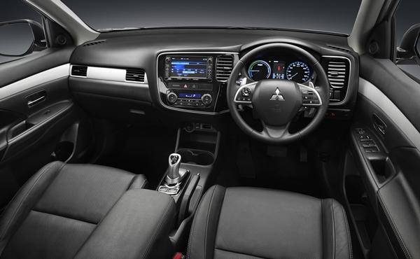 Mitsubishi Outlander PHEV AWD SUV