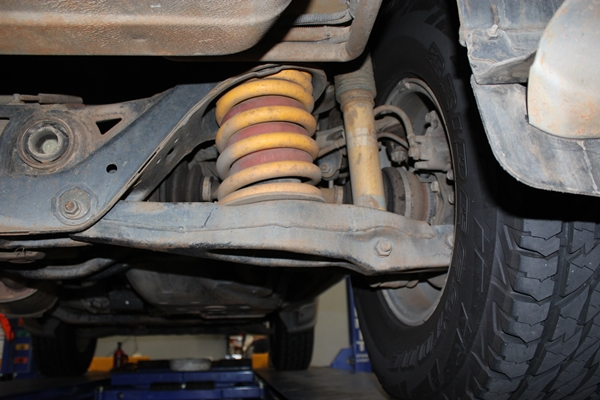 Mitsubishi Pajero before suspension upgrade rear shocks