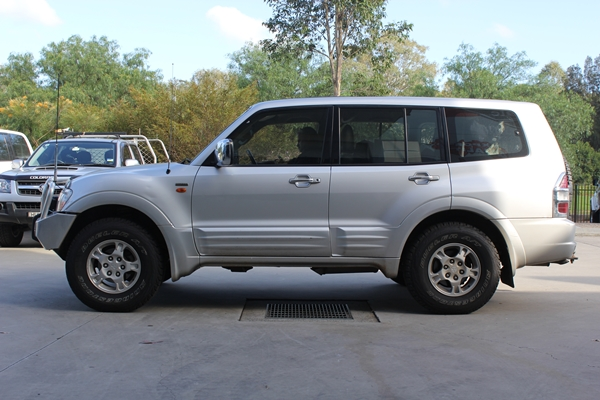 Mitsubishi Pajero before suspension upgrade