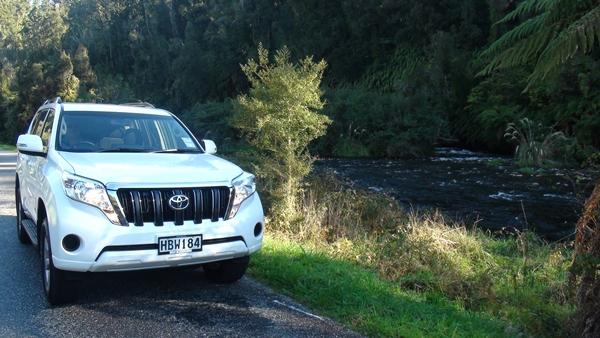 2014 NZ Okarito drive river 2