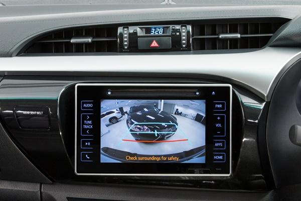 2016 Toyota Hilux SR5 reversing camera