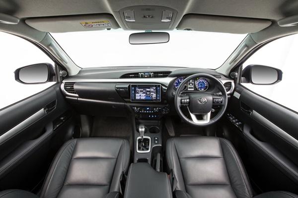 2015 Toyota HiLux 4x4 SR5 double cab