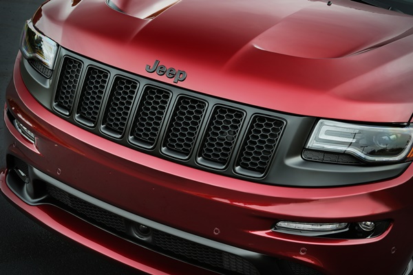 Jeep Grand Cherokee SRT Night grill