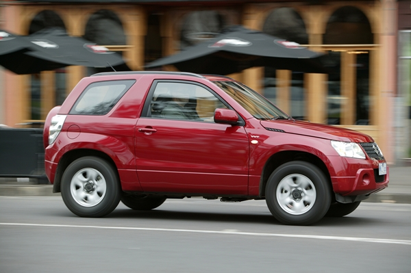 Suzuki Grand Vitara 3 door 4WD SUV