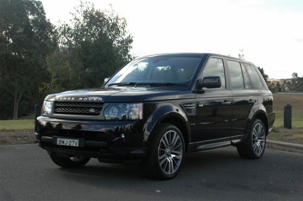 Range Rover Sport Luxury 5.0L V8 external