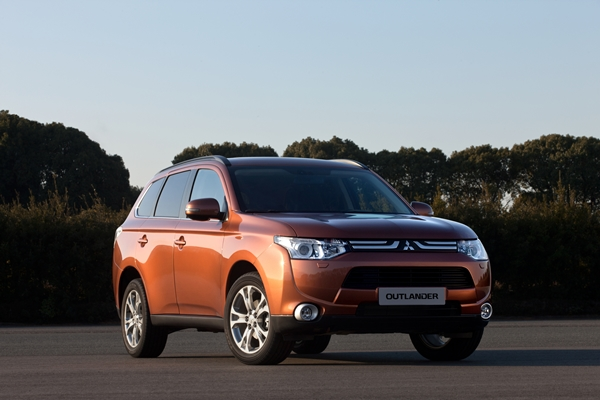 Mitsubishi all new Outlander at Geneva Motor Show 2012