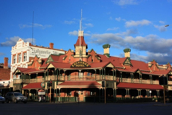 exchange hotel in Kalgoorlie corner view 600