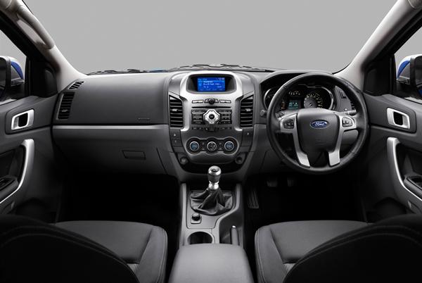 Ford Ranger XLT Dual Cab Ute dash - OzRoamer