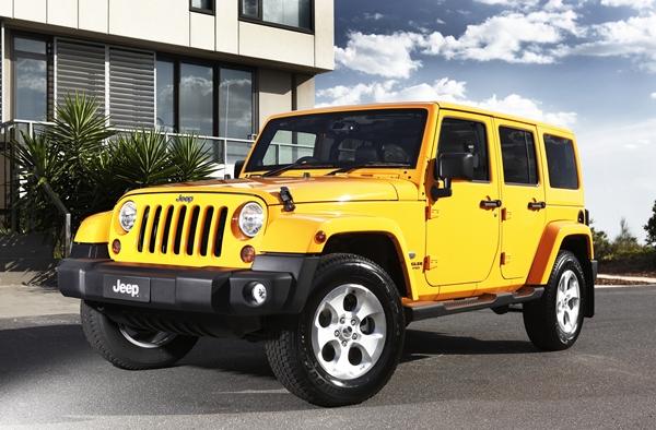 2013 Jeep Wrangler Overland exterior