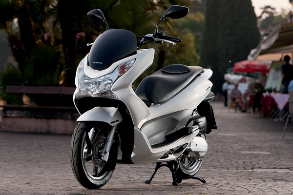 2013 honda pcx 125cc scooter ozroamer. Black Bedroom Furniture Sets. Home Design Ideas
