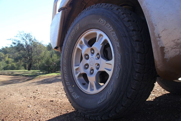 Project Pajero Bridgestone Dueler AT D697 LT tyres