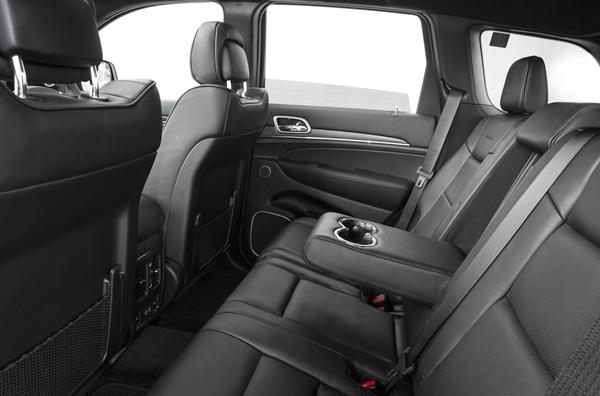 Jeep Grand Cherokee Summit rear seats