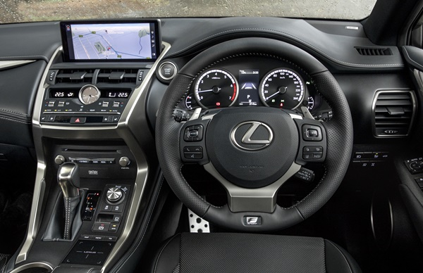 Lexus NX F Sport  dash