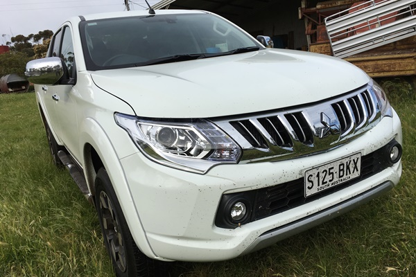 Mitsubishi Triton Exceed Dual Cab Ute 4WD