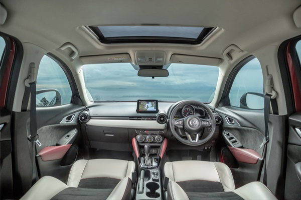 2017 COTY Mazda CX3 Akari