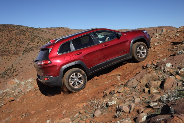 Jeep Cherokee Trailhawk 4WD Review - OzRoamer