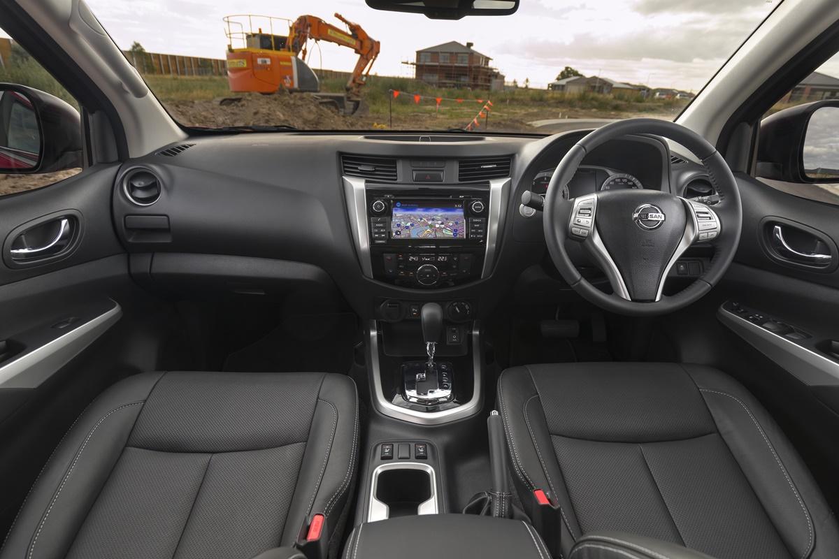 2018 Nissan Navara ST-X interior