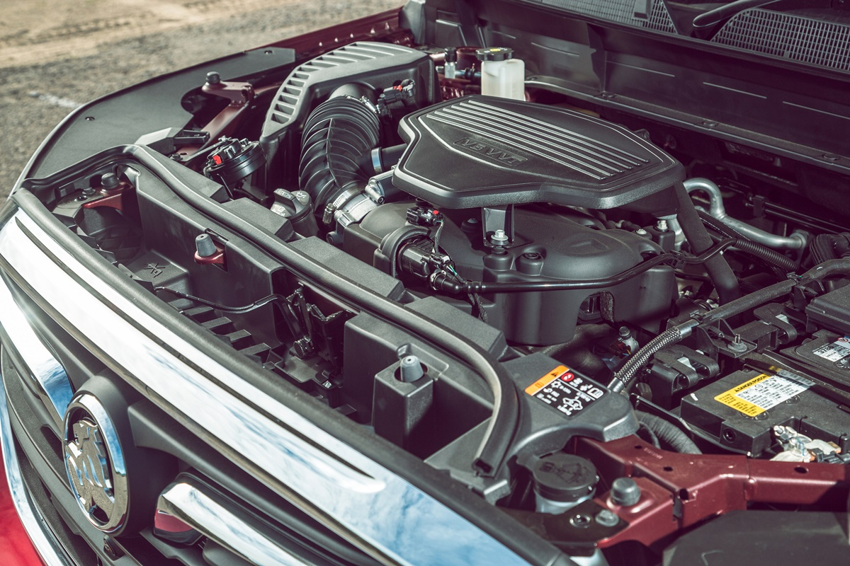 2019 Holden Acadia LTZ engine