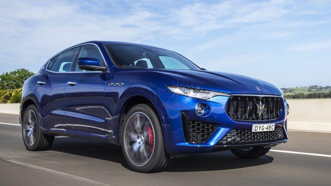 2018-Levante-350-GrandSport-DRIVING