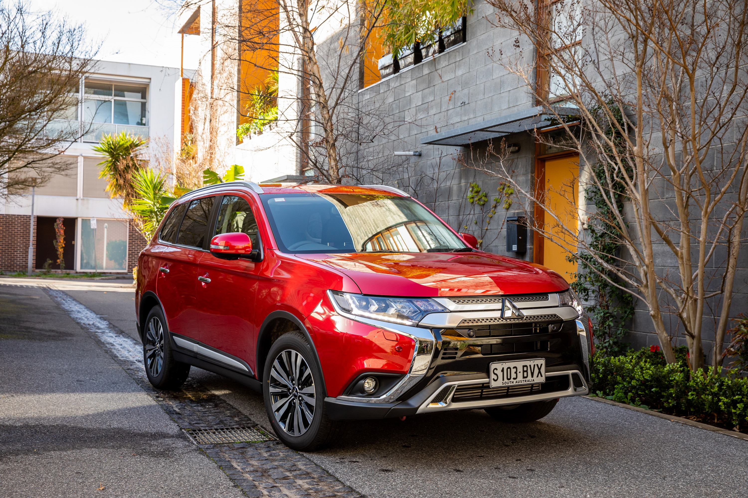 2019 Mitsubishi Outlander Exceed Did Awd Suv Review Ozroamer