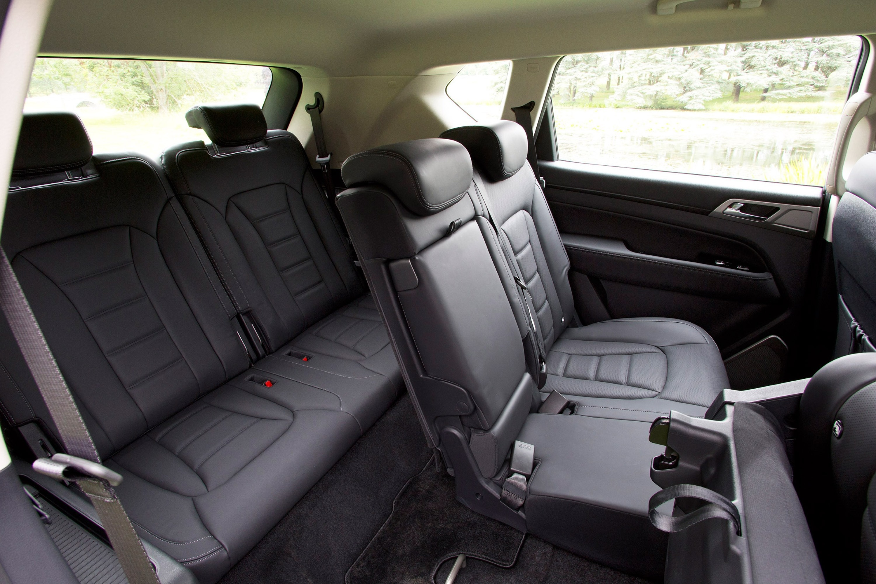 2018 SsangYong Rexton rear seats