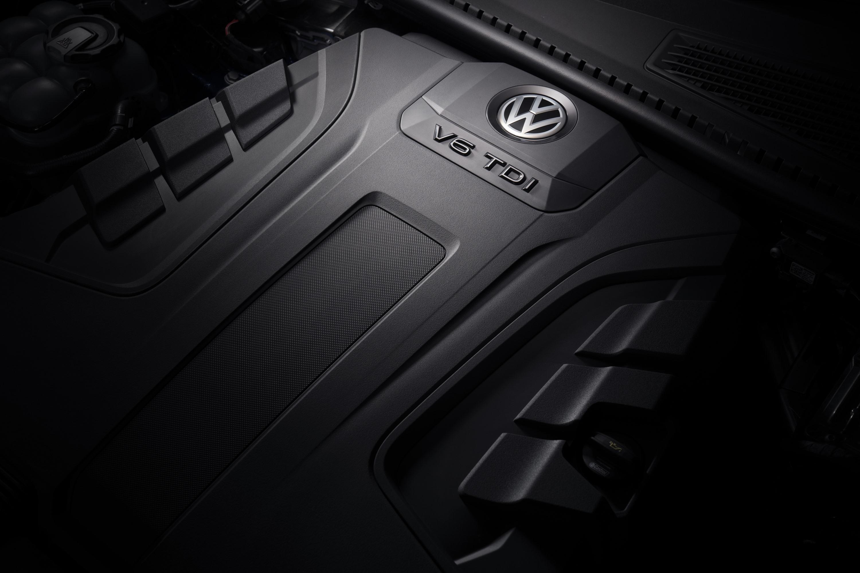 2019 VW Touareg Launch Edition 17 engine