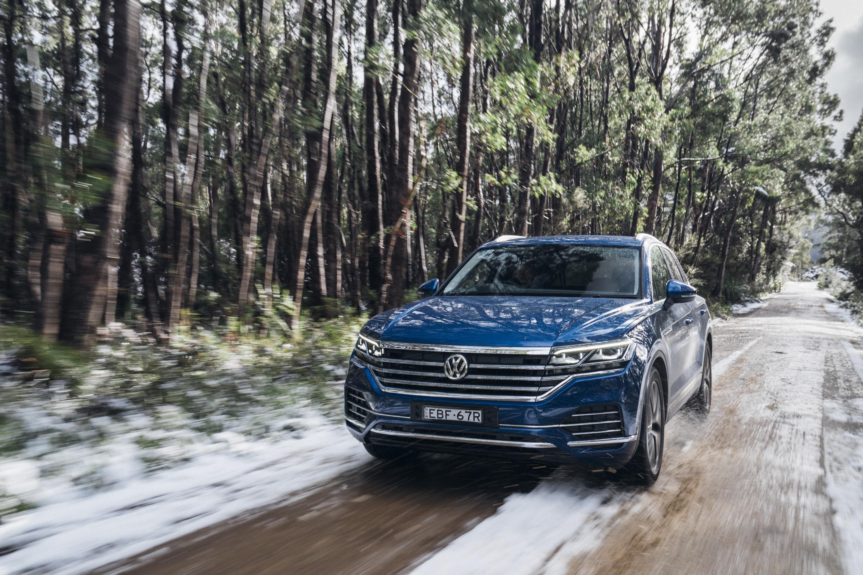 2019 VW Touareg Snow image 3