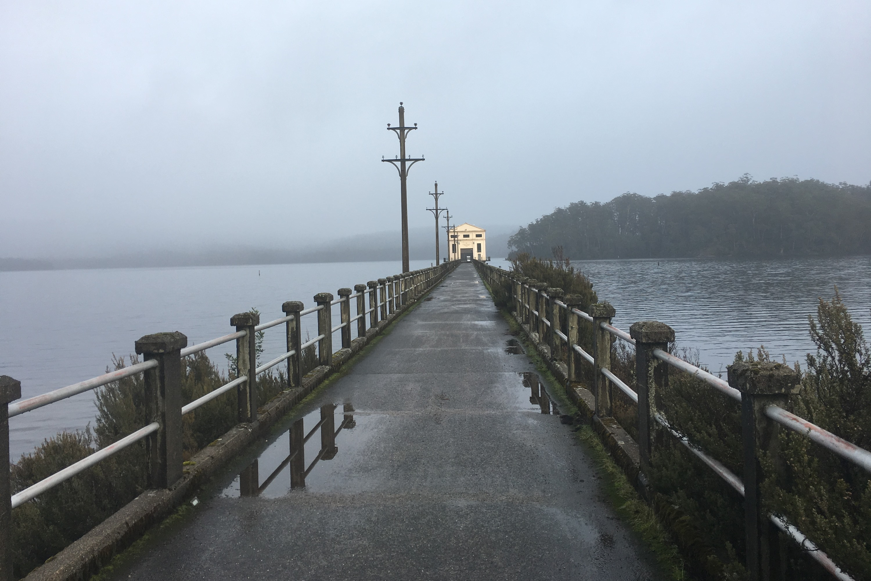 Pumphouse Point walk to pumphouse