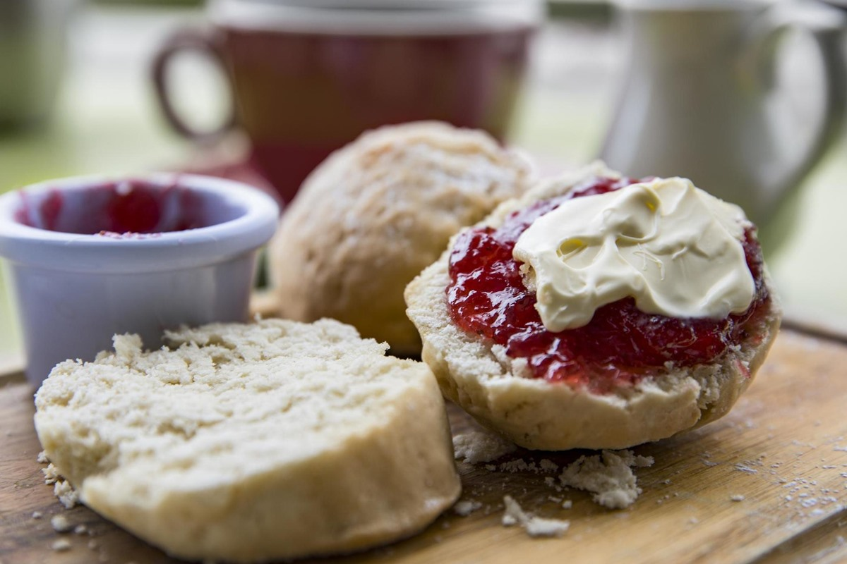 Sealy Cafe Bothwell Scones and jam cream