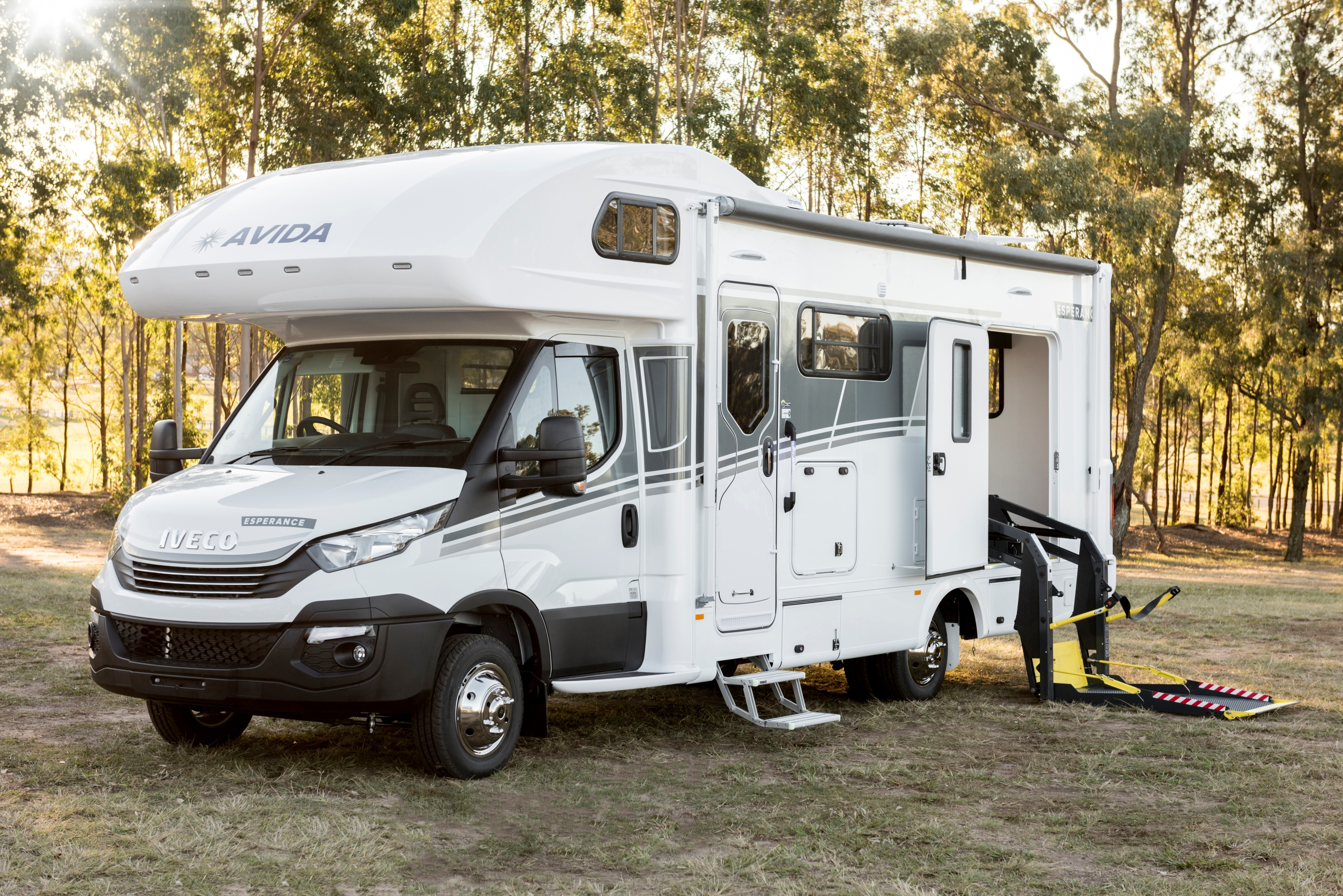 2019 Esperance WheelChairF C7994WSL Exterior_Front Angle Iveco