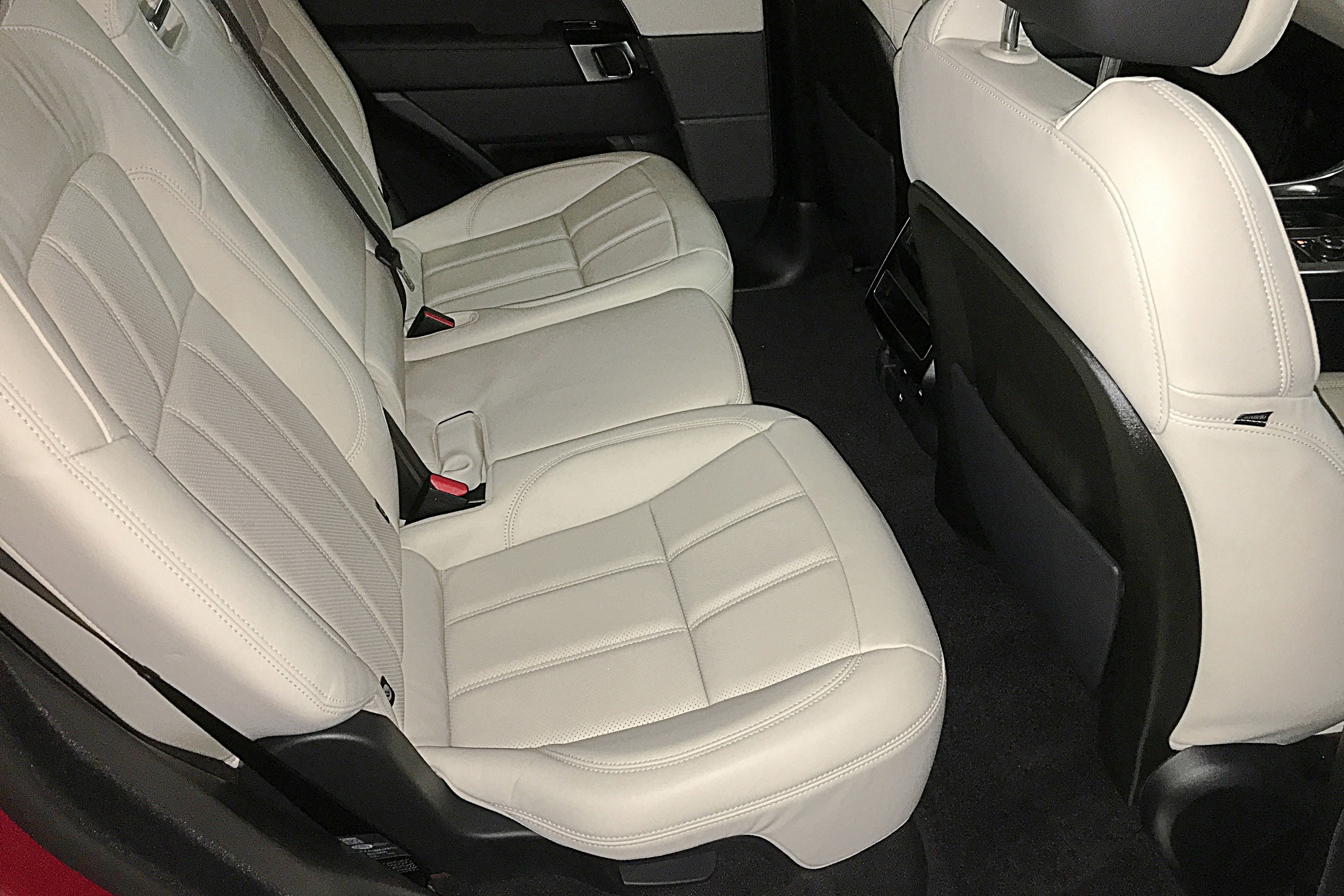 2019 Range Rover PHEV 11 rear seats