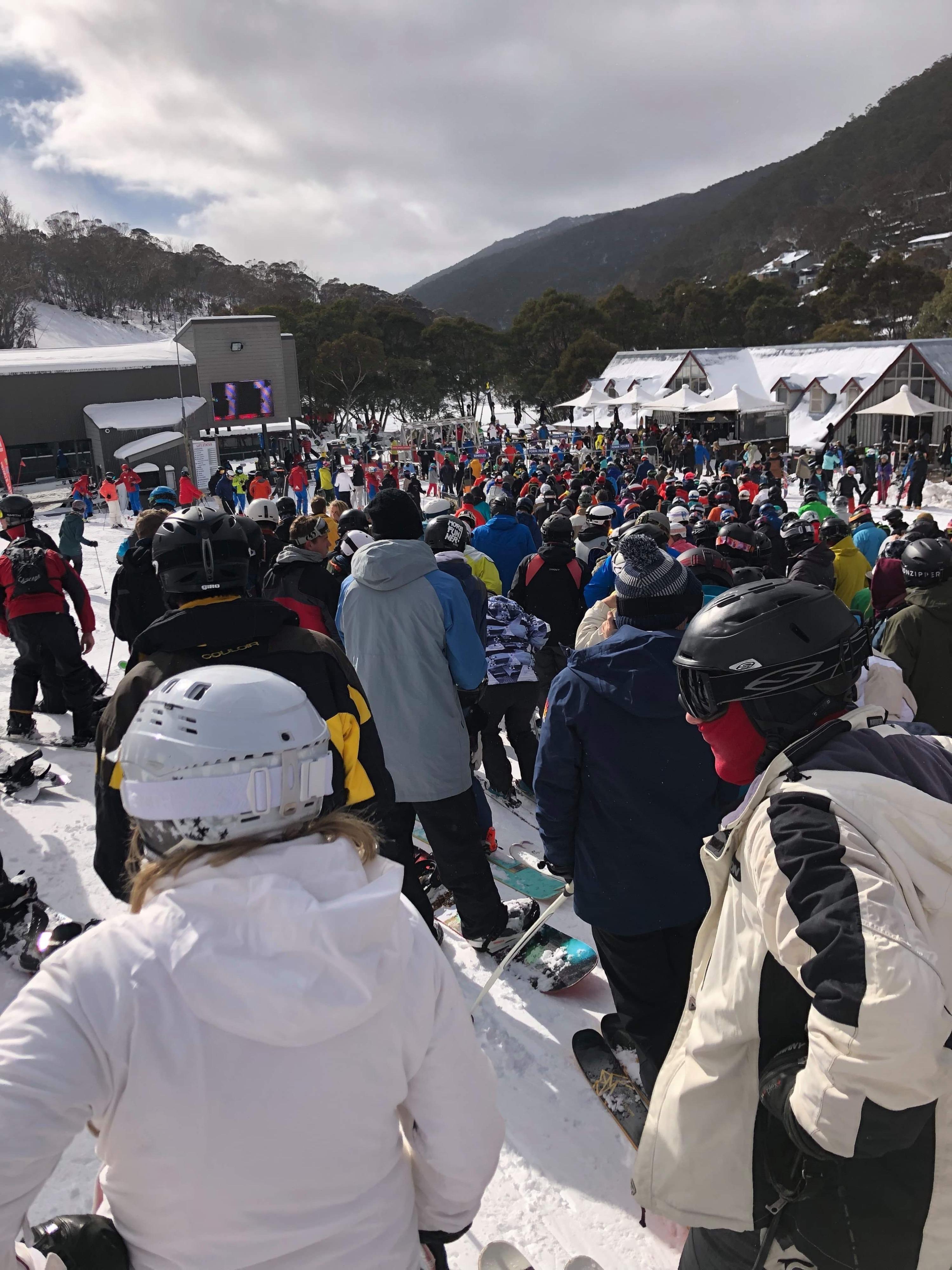 2019-Toyota-Prado-GXL-22 skiing