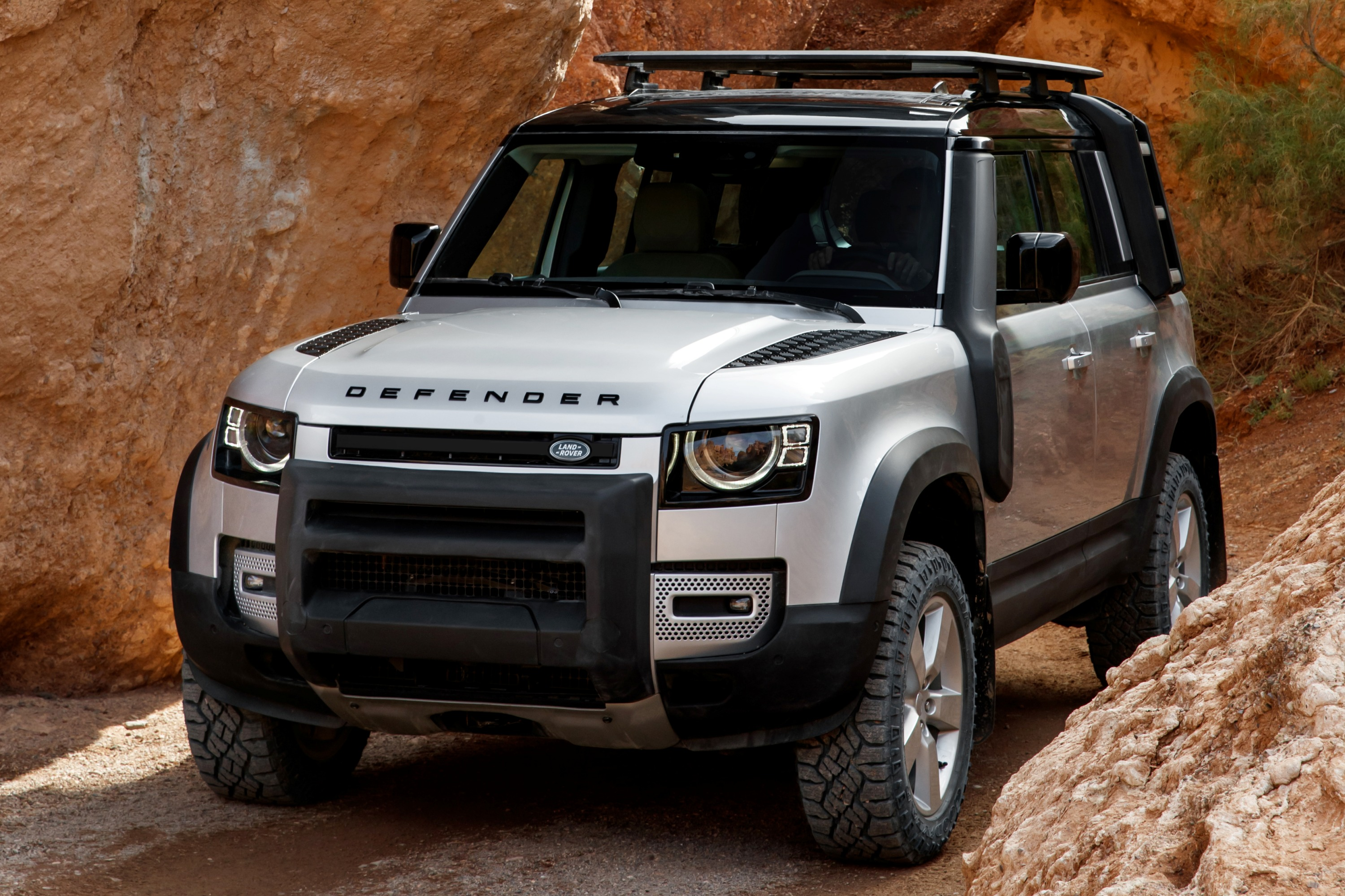 All new Land Rover Defender Brief Introduction - OzRoamer