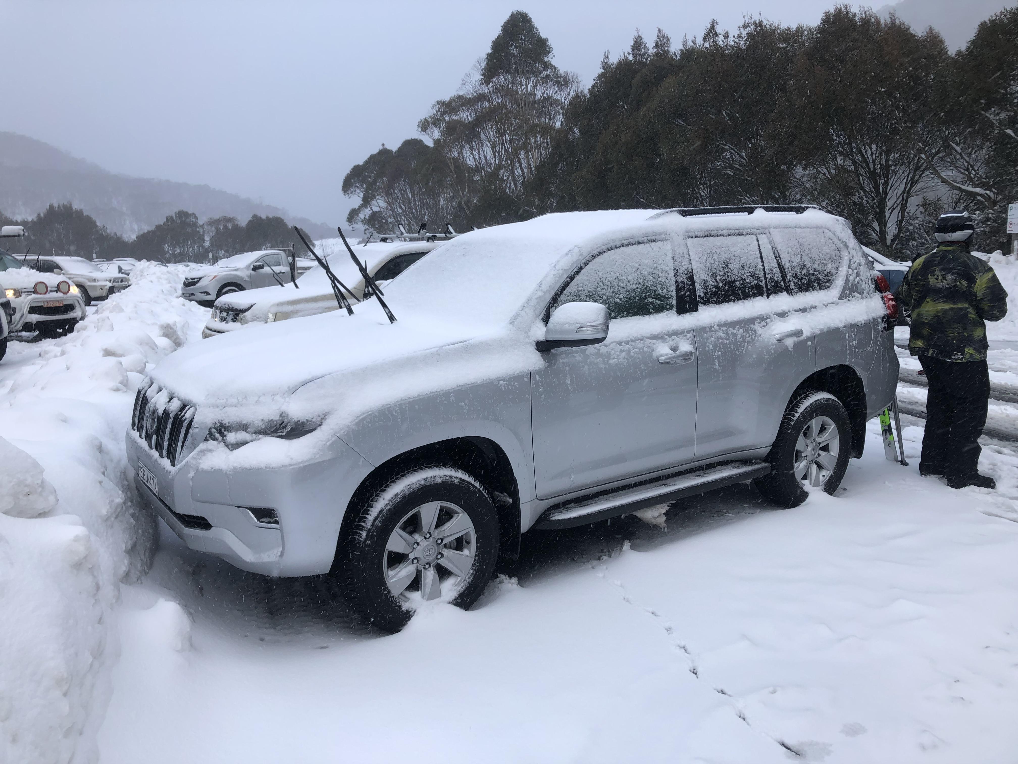 Toyota Prado GX-L Snow