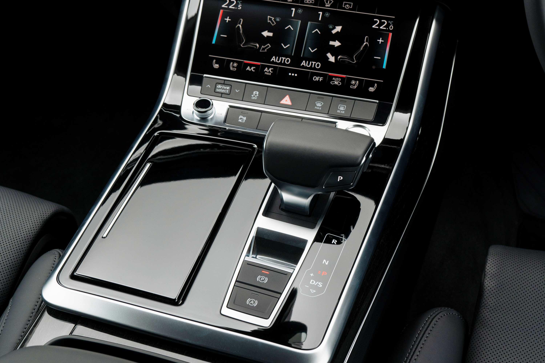 2020 Audi Q8 55 TFSI Quattro S-Line transmission