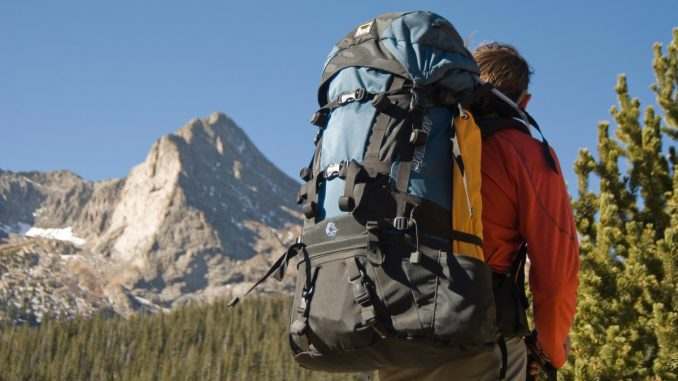 keeping safe while backpacking