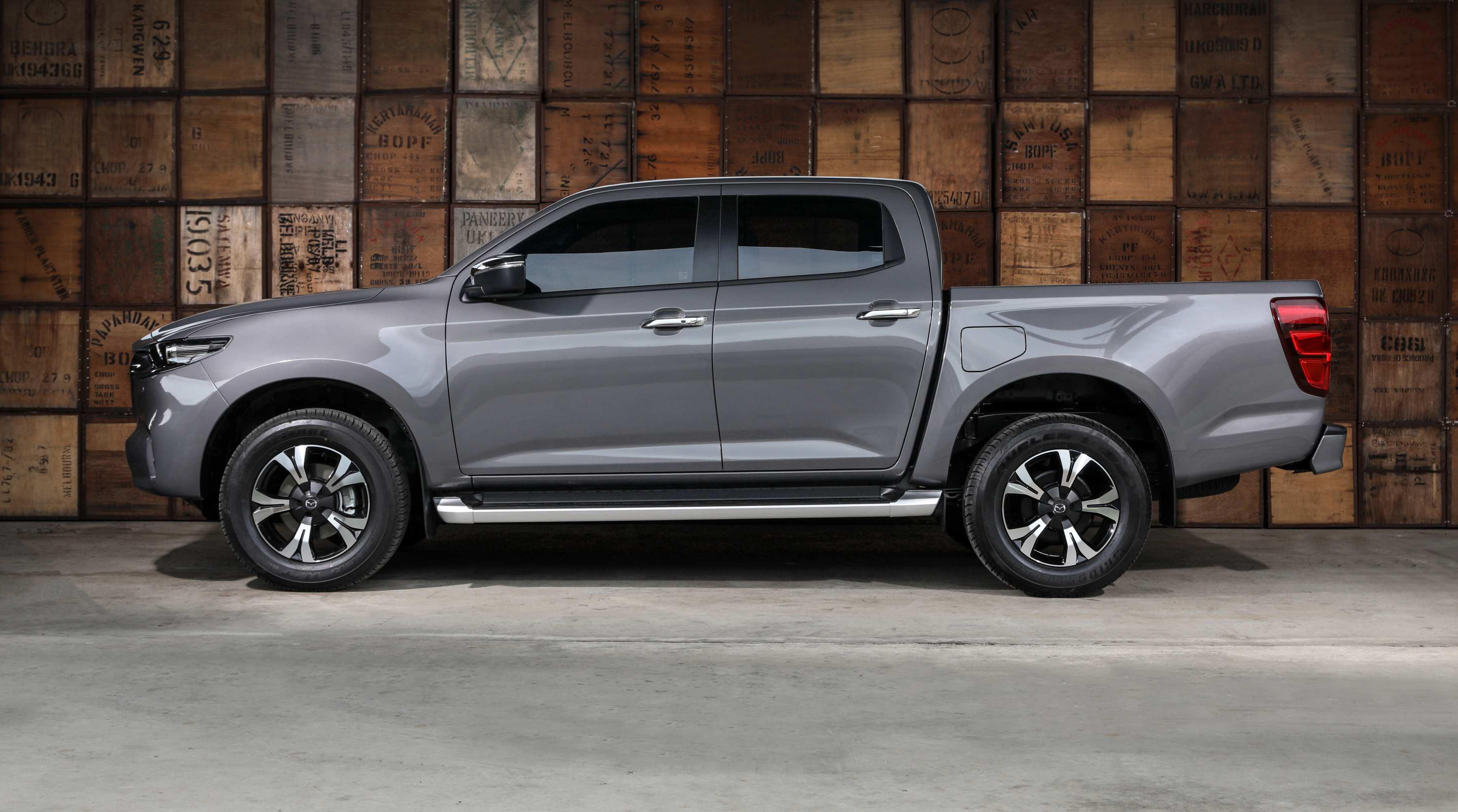 2020 Mazda BT-50 profile