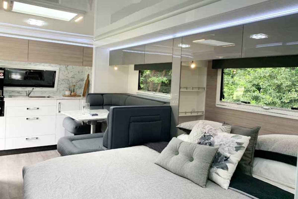 2020 Topaz_CV7054SL_Bedroom