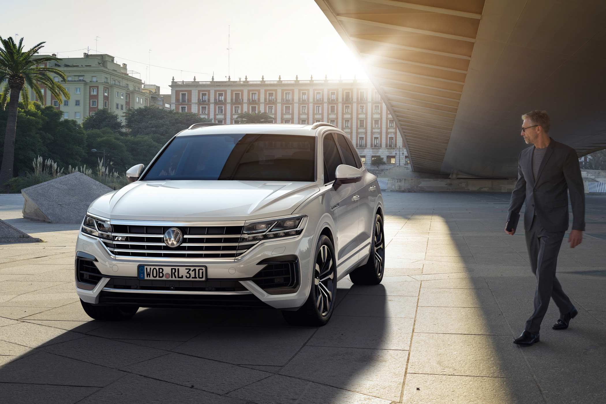 2020 Volkswagen Touareg V8.