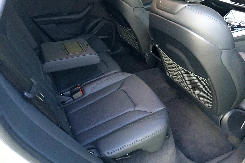 Audi Q8 50 TDI S-LINE QUATTRO rear seats