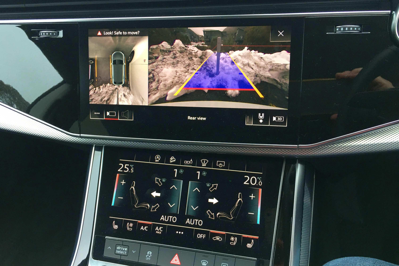 Audi Q8 50 TDI S-LINE QUATTRO reverse camera
