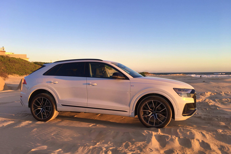 Audi Q8 50 TDI S-LINE QUATTRO side