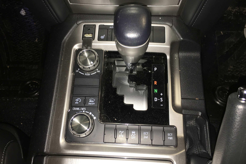 Toyota LandCruiser Sahara 2020 4WD