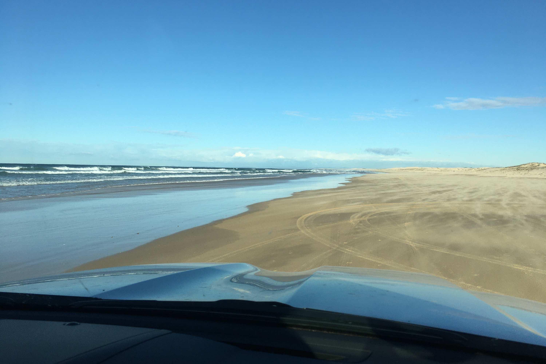 Toyota LandCruiser Sahara 2020 beach