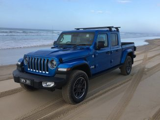 Jeep Gladiator Overland 4WD Ute front quarter