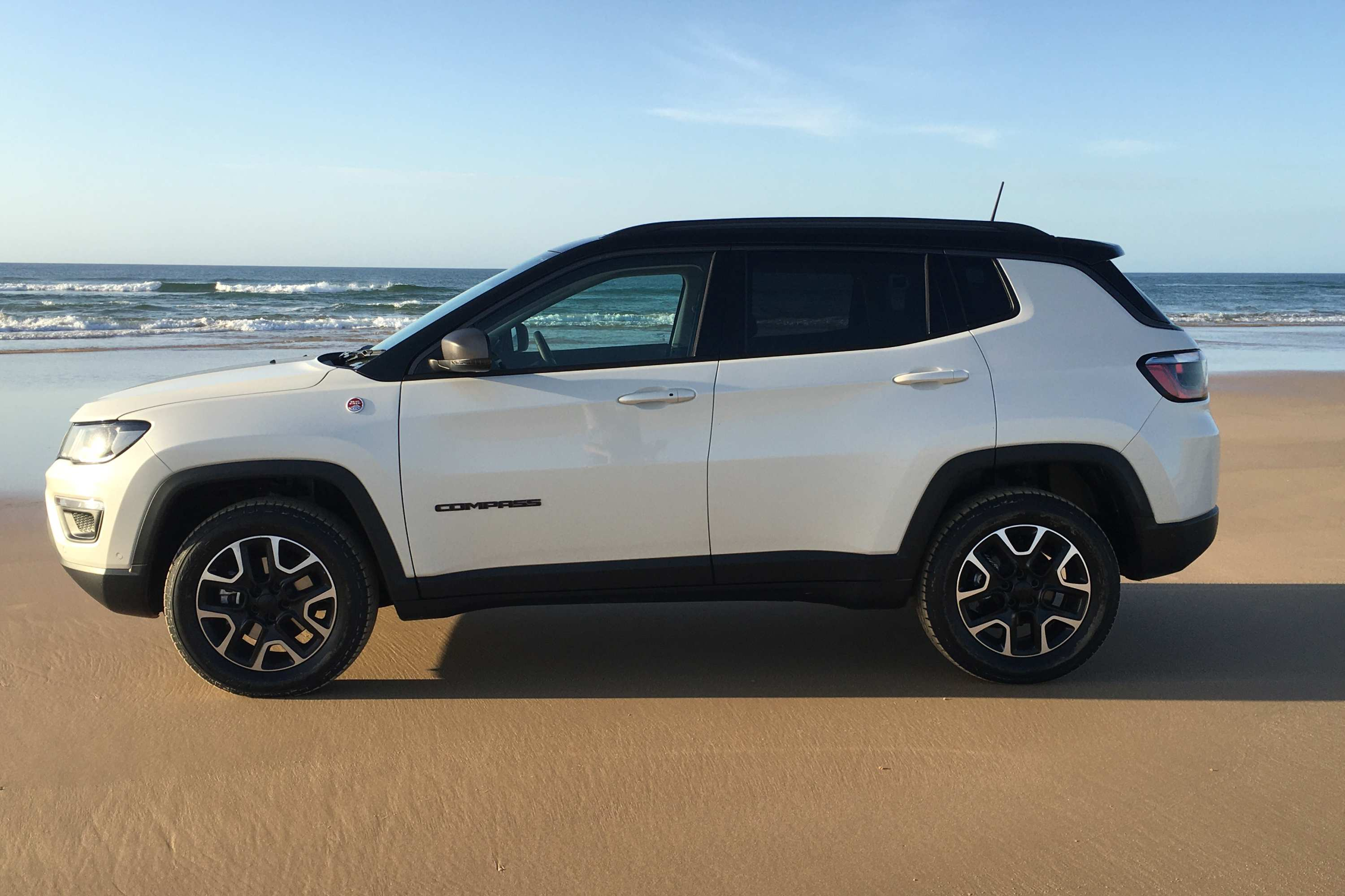 2020 Jeep Compass Trailhawk profile