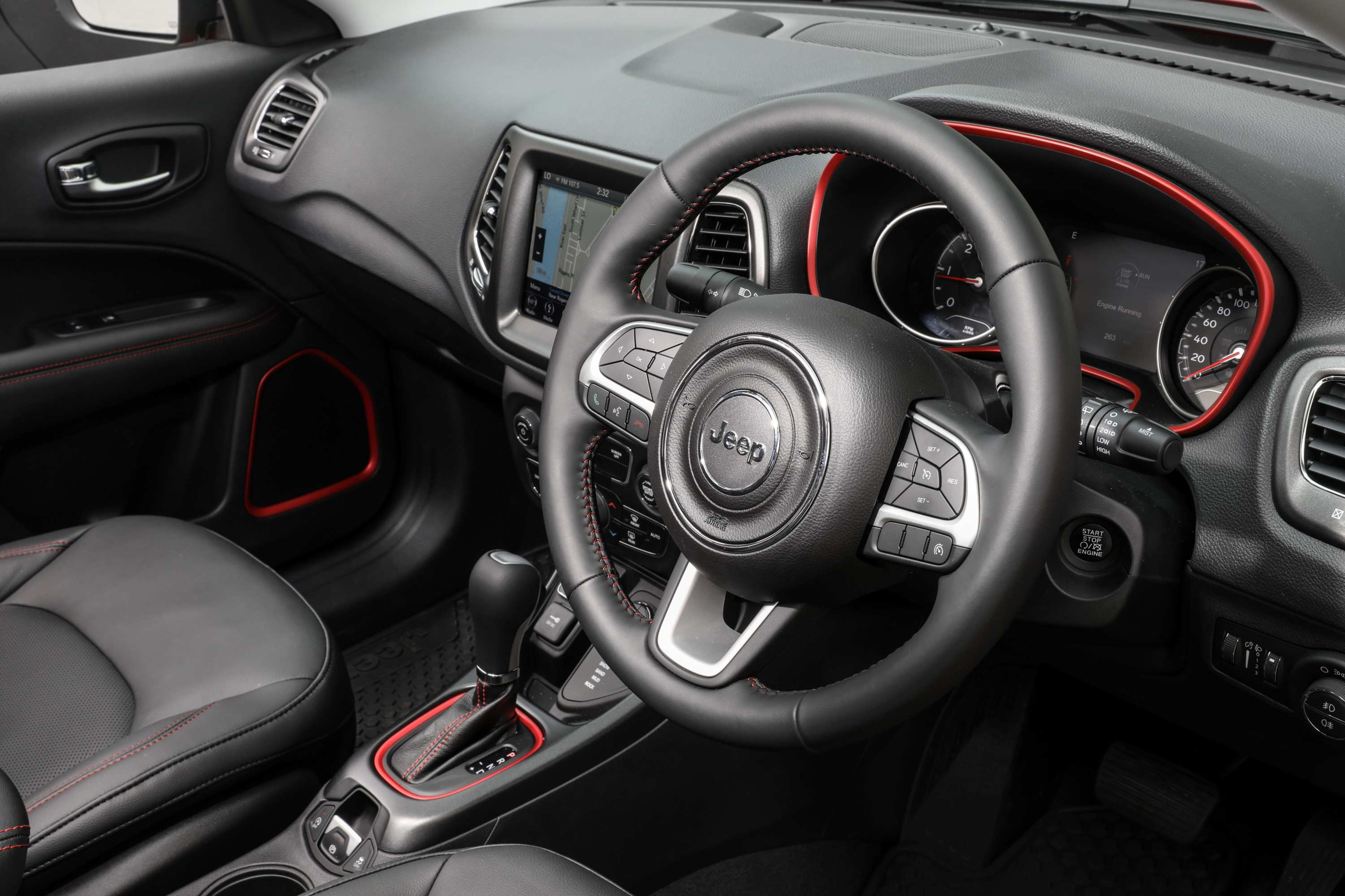 2020 Jeep Compass Trailhawk steering